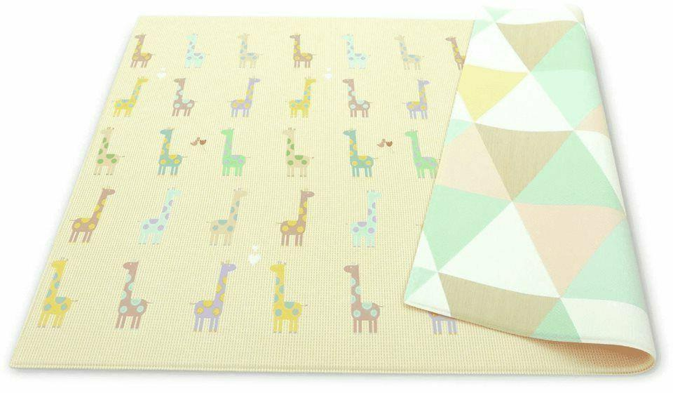 reversible giraffe in love playmat